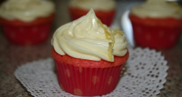 Strawberry Lemonade Cupcakes with Lemon Cream Cheese Frosting