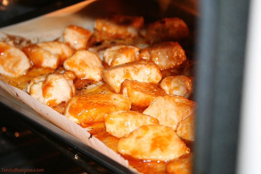 Honey Sriracha Chicken - FoodieAnonymous